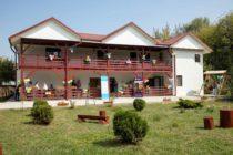 """12 copii și tineri din Centrul de Plasament """"Elena Doamna"""" din Piatra Neamț s-au mutat în casa de tip familial """"Felix"""""""