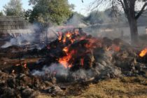 Incendiu care s-a extins la 3 gospodării în Borlești