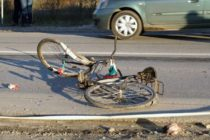 Biciclist accidentat din cauza neacordării de prioritate