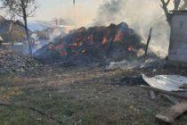 Incendiu extins de la niște căpițe de fân, în comuna Rediu