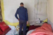 Persoane fără locuință și-au făcut adăpost într-o centrală termică dezafectată