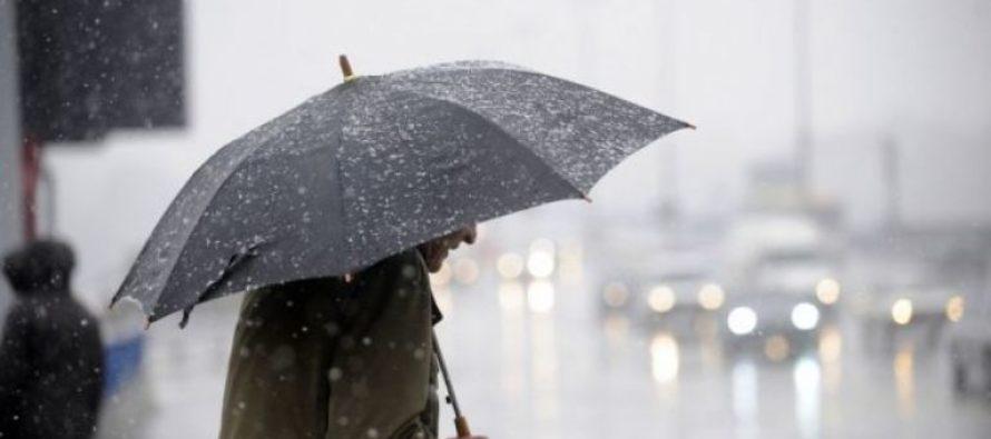 Avertizare meteo de vreme rea. Ploi, vânt și ninsori la munte.