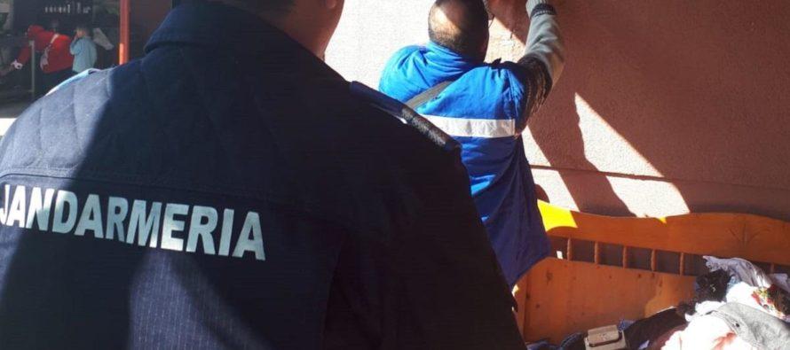 24 de persoane, din anexa Văleni II, cercetate de polițiști pentru furt de energie electrică