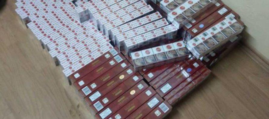 30.000 de țigarete de contrabandă descoperite de polițiștii nemțeni într-un autoturism