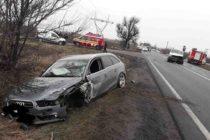 Accident rutier între un autoturism și un microbuz la Săbăoani