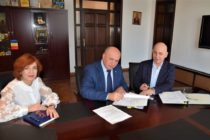 Trei contracte cu finanțare europeană semnate la Primăria Piatra Neamț