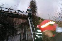 Incendiu la o clădire dezafectată din municipiul Piatra Neamț