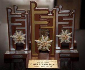 Trofeul şi Premiile întâi Florile Ceahlaului