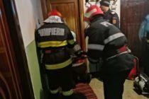 Bătrână de 81 de ani blocată în locuință, salvată de pompieri