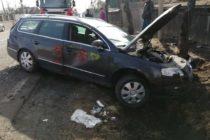 Un autoturism a ieșit de pe carosabil și s-a răsturnat într-un șanț, în comuna Bodești