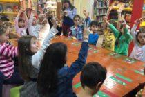"""""""Ora să știm"""" și """"Istoria lumii pentru copii"""", ateliere organizate la Biblioteca Județeană"""