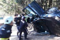 Un autoturism cu 4 pasageri s-a răsturnat în zona Mănăstirii Agapia