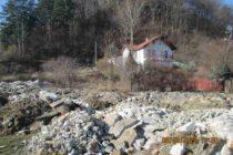 Amendat pentru că a depozitat deșeuri din construcții pe propriul teren
