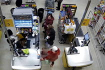 Căutată pentru că a furat portofelul unei femei într-un supermarket