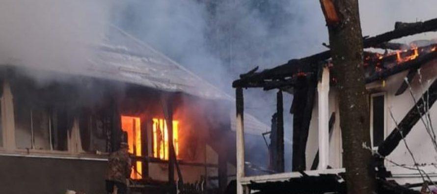 Incendiu devastator la o  casă monahală de la Mănăstirea Agapia