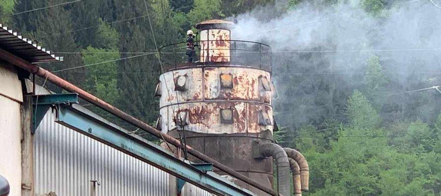 Incendiu de proporții la o fabrică din comuna Pângărați