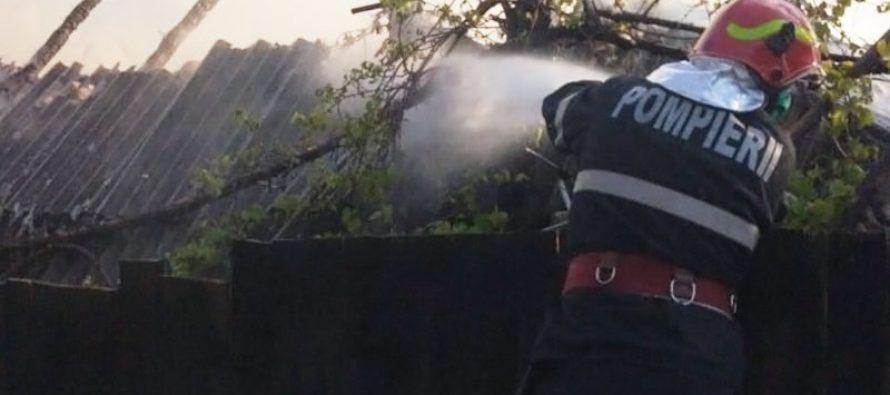 O locuință din Urecheni a luat foc din cauza jarului căzut din sobă