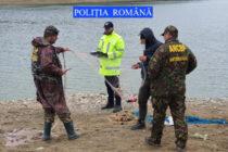 """Pescari """"profesioniști"""" amendați pentru 4 infracțiuni, la Izvorul Muntelui"""