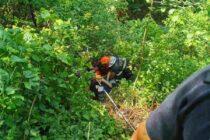 Bărbat de 80 căzut într-o râpă, salvat de pompieri