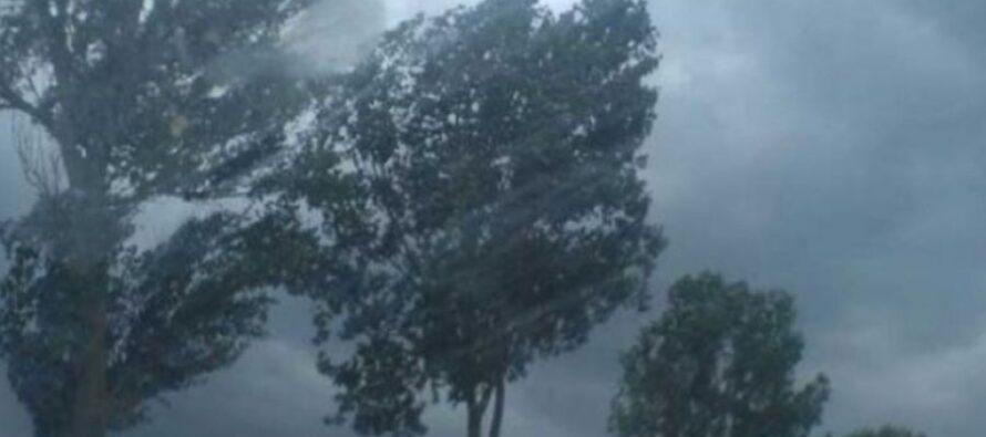 Cod ROȘU de averse torențiale în 3 comune din Neamț