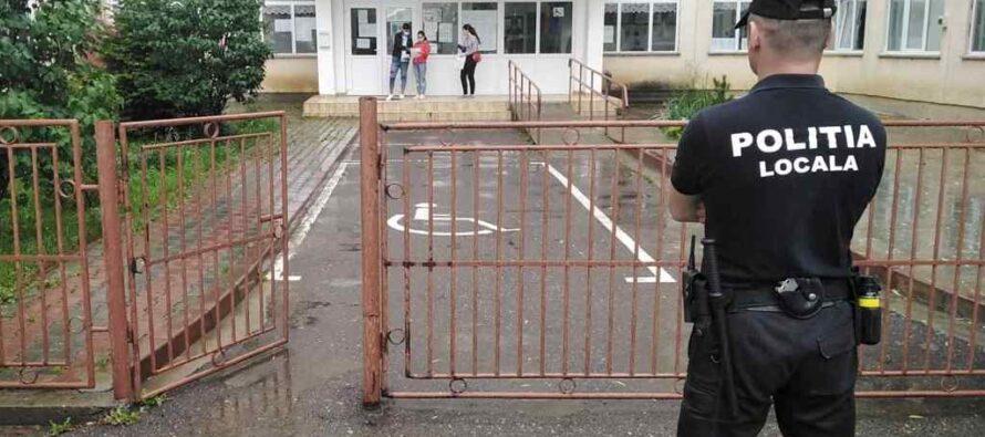 Polițiștii locali prezenți la școlile unde se desfășoară Evaluarea Națională