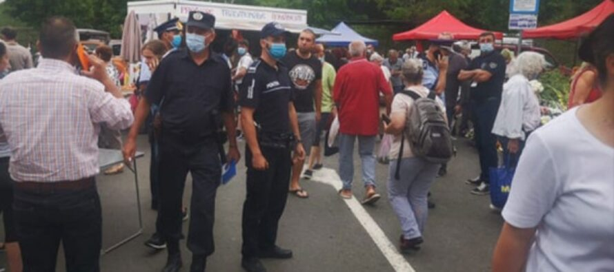 Amenzi de peste 29.000 de lei într-o acțiune a polițiștilor în bazarul din Roznov