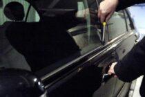 Doi adolescenți au furat un autoturism din curtea unui cetățean din Dumbrava Roșie