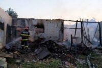 Incendiu extins la o anexă gospodărească și un adăpost de animale, în comuna Pâncești