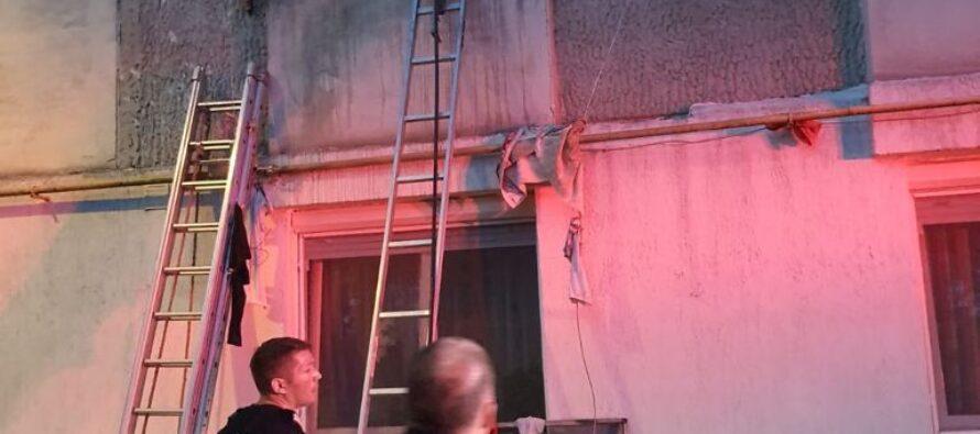 Incendiu puternic la o garsonieră din Piatra Neamț