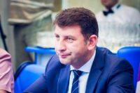 A fost emis ordinul prefectului prin care încetează mandatul primarului de Roman, Lucian Micu