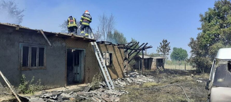 Un cetățean din Bahna a dat foc unor haine vechi și a rămas fără locuință