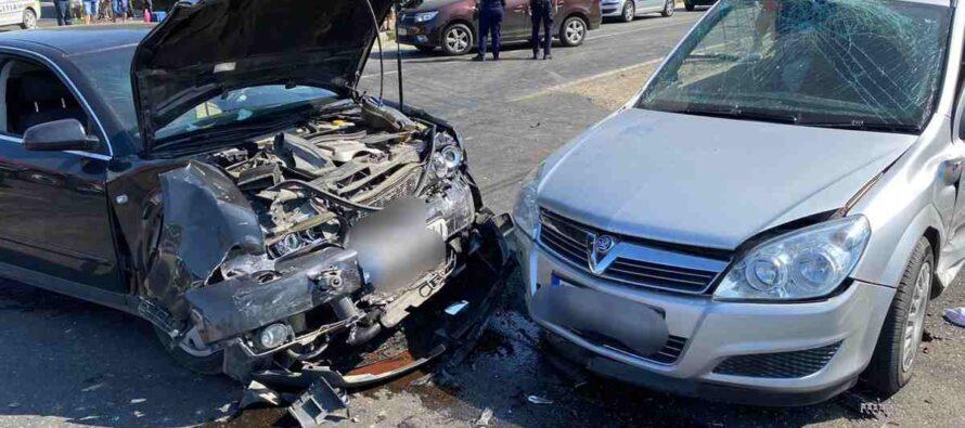 Accident rutier cu 6 victime în care au fost implicate 4 autoturisme, la Gâdinți