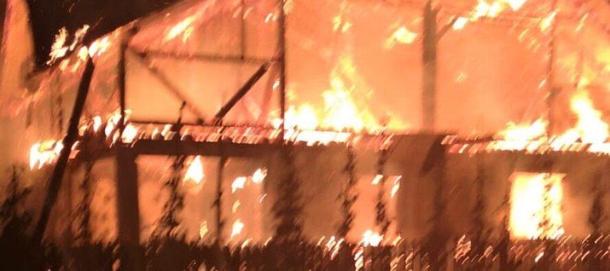 O locuință din Grințieș a fost misuită de flăcări din cauza unui coș de fum defect