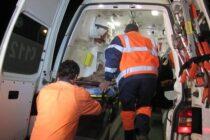 6 persoane, 4 adulți și 2 copii, blocate într-un autoturism după ce s-au ciocnit cu un TIR