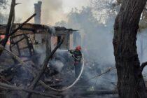 Incendiu puternic la o locuință din Dulcești provocat de un coș de fum