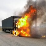 un TIR a luat foc Roznov (2)