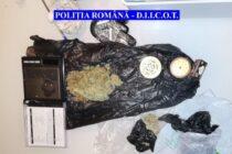 1,6 kg de cannabis confiscat de polițiști, 8 persoane reținute