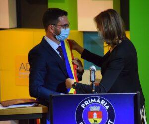 Noul primar de Piatra Neamț și-a luat în primire mandatul. Cine sunt consilierii locali.