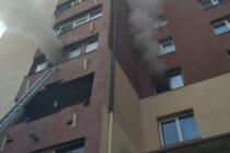 Incendiu provocat de niște copii într-o bloc din Piatra Neamț, 20 de persoane s-au autoevacuat