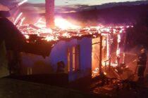 O femeie din Ghindăoani la un pas să ardă în propria locuință