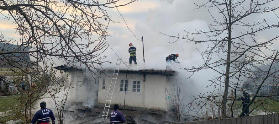 Incendiu provocat intenționat la o locuință din Oșlobeni