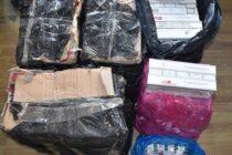 2.250 de pachete cu țigări de contrabandă descoperite în locuințele unor persoane din Piatra Neamț