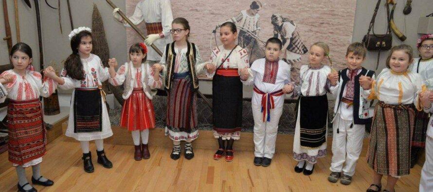 """Concursuri de preselecție pentru dansatori și soliști de muzică populară organizat de Centrul pentru Cultură """"Carmen Saeculare"""""""