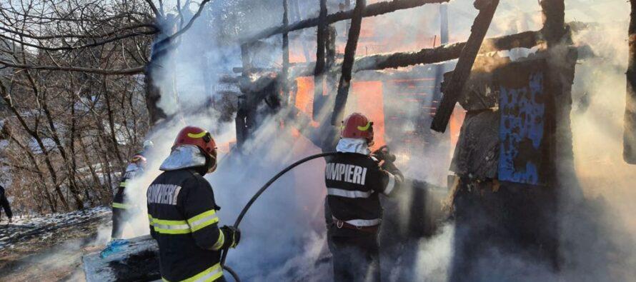 Incendiu la o anexă gospodărească din Piatra Neamț