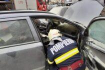 Un autoturism din Tg. Neamț a luat foc din cauza unui scurtcircuit