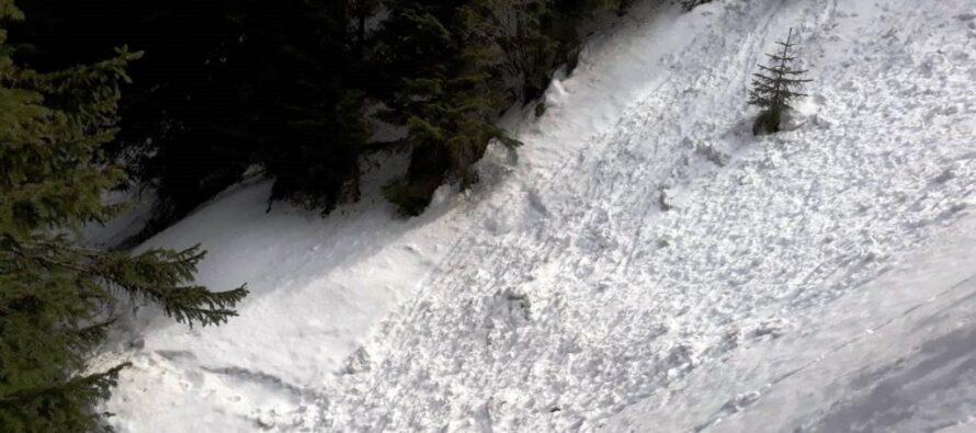 În atenția amatorilor de drumeții montane: Pericol de avalanșă în masivul Ceahlău