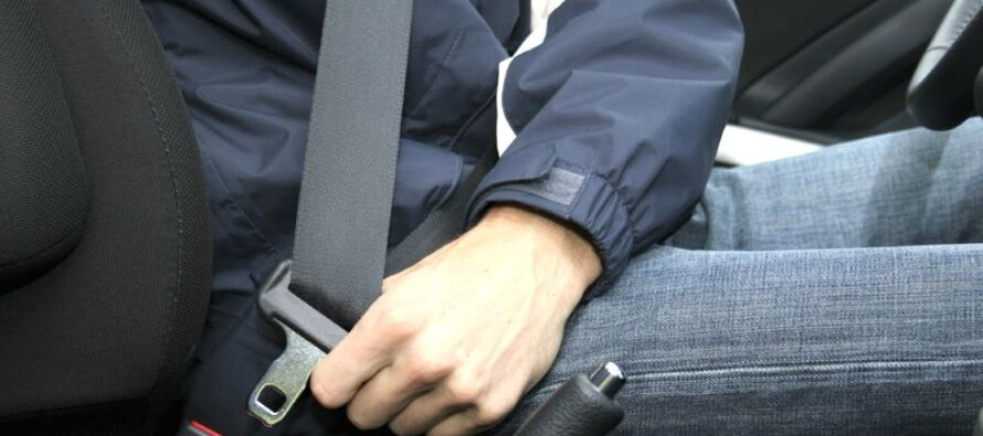 Peste 300 de amenzi aplicate de polițiștii rutieri pentru nepurtarea centurii de siguranță