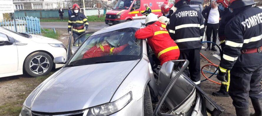 Accident rutier cu o victimă încarcerată în comuna Botești