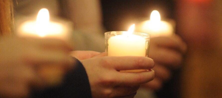 Astăzi, credincioșii catolici sărbătoresc Paștele