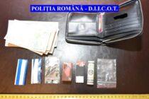 Mandat de arestare pentru 10 persoane implicate în dosarul traficanților de droguri de la Piatra Neamț
